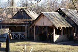 MIttelterliche Hütten im Slawendorf Brandenburg